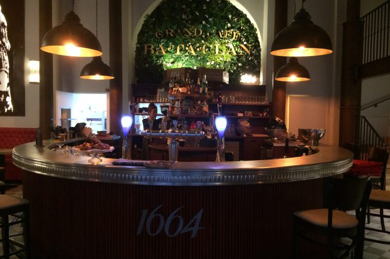 Bar en étain du Bataclan