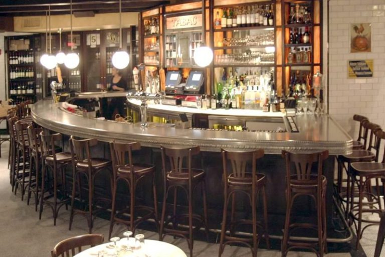 Le Gaslight, et le bar à vin bistrot Aquitaine Boston