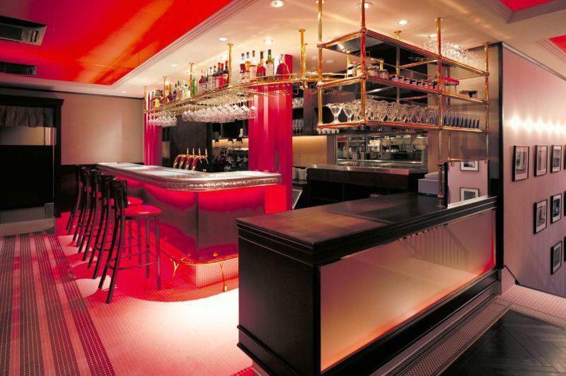 comptoir de bar en étain