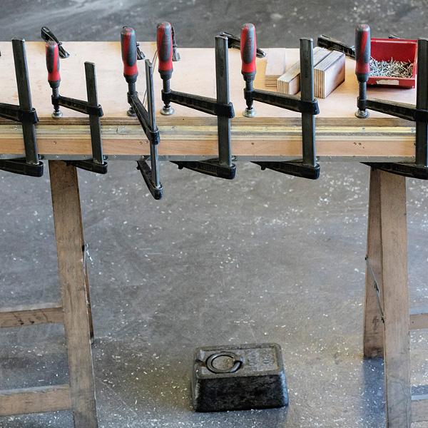 Fabrication d'une piste en étain dans les Ateliers Nectoux