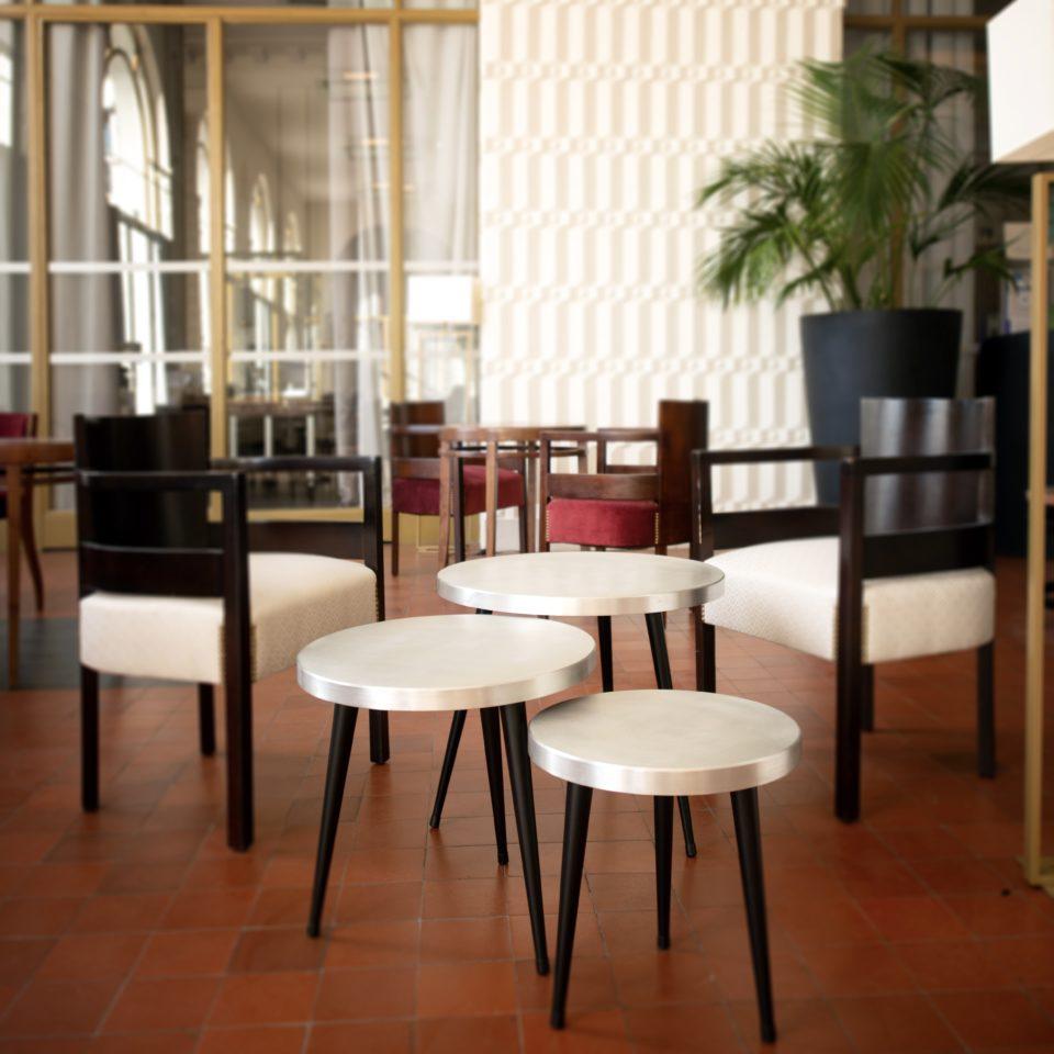 3 tables recadrées