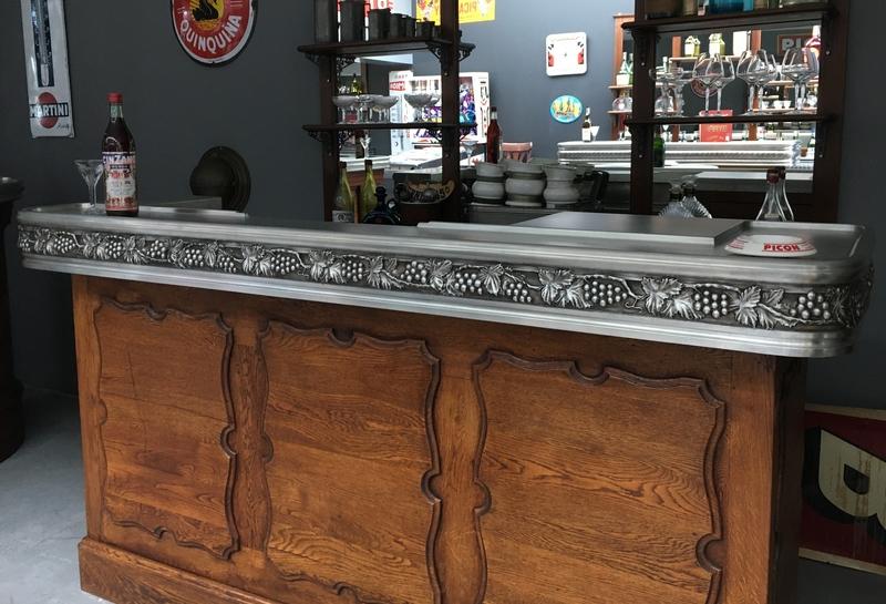 Comptoir ancien restauré avec evier ancien en etain