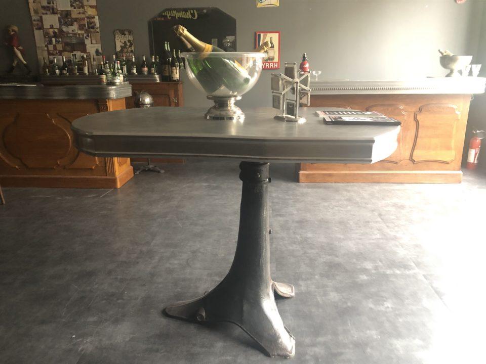 table avec pied indutriel